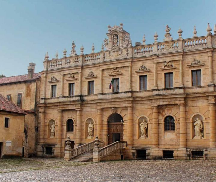 tour della certosa di padula certosa di san lorenzo salerno in italiano in english
